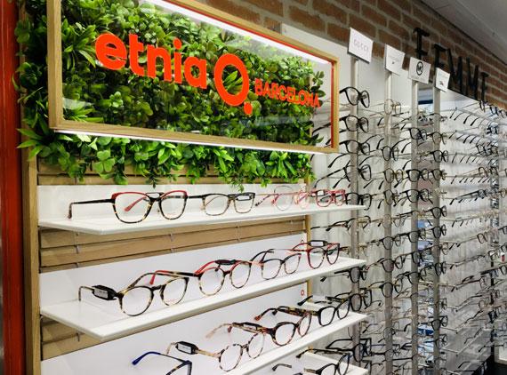 Nombreuses lunettes de vue en vente au sein de la boutique d'optique W Optic à Cloyes-les-3-Rivières (28)